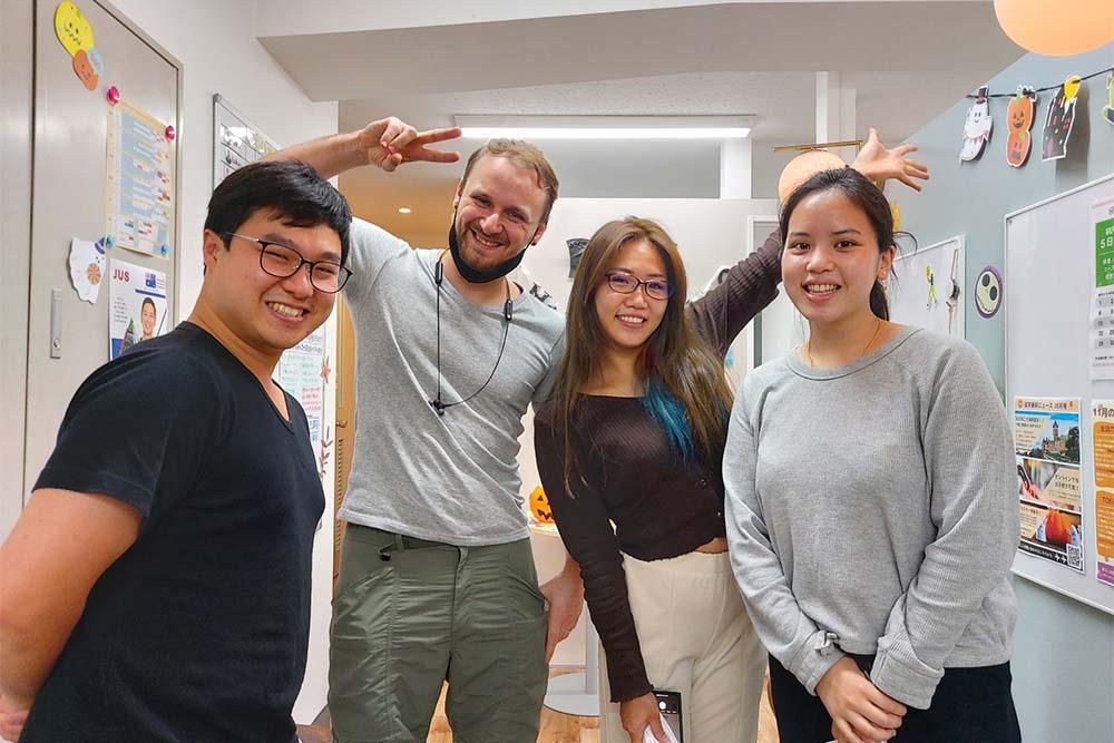 渋谷の英会話学校ワンコイングリッシュのネイティブ講師達