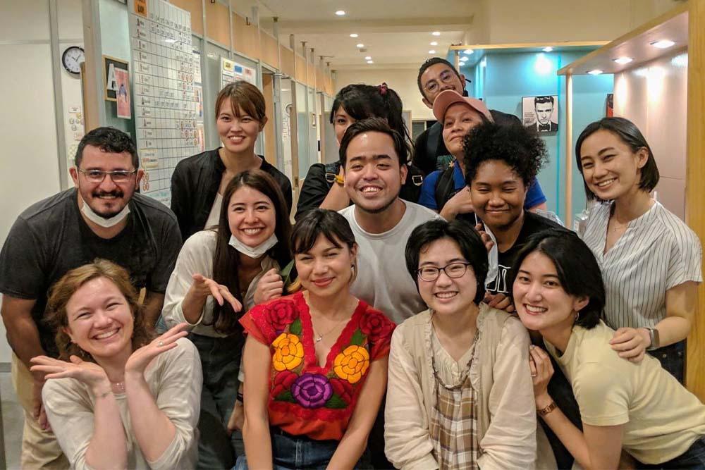 新宿にある500円英会話学校ワンコイングリッシュ新宿校スタッフ講師